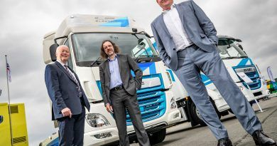 FSEW orders UK's first electric tractor units from DAF Trucks